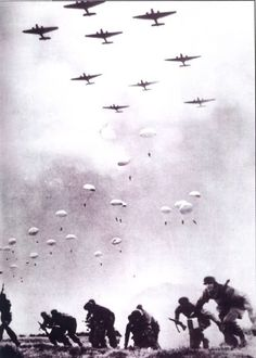 Battle of Crete, 1941 THE GERMANY PARACHUTES