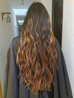 Lighted brunette hair Morena iluminada hair - Unique World Of Hairs Brown Hair Balayage, Hair Highlights, Ombre Hair, Rainbow Highlights, Caramel Highlights, Beautiful Long Hair, Gorgeous Hair, Brunette Hair, Prom Hair