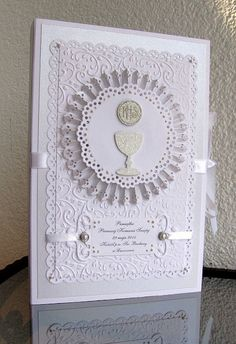 Biały i kremowy... First Communion Cards, Holy Communion Invitations, Première Communion, First Holy Communion, Confirmation Cards, Communion Decorations, Love Cards, Kids Cards, Vintage Cards
