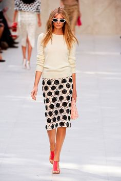 Burberry Prorsum at London Fashion Week Spring 2014 - StyleBistro