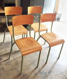 Superior Circa 1960, A Set Of 4 French Vintage Industrial Chairs At Standard  Table Height
