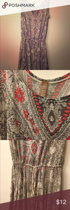 Free People Dress Soft, flowy dress. Can also be worn as a cover up or top over leggings! Size Lg. Free People Dresses Mini