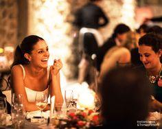 © Instantánea y Tomaprimera. Fotografía de boda. Boda-Wedding - Fotografía – Photography - Novia – Bride - Felicidad – Happiness - Cena – Dinner - Sonrisa – Smile
