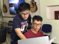 Tinh thần cầu tiến đã giúp Mr. Dân có mặt tại SG lúc 6h 30 sáng để học và luyện kỹ năng đầu tư Forex. Đang thực tập các thao tác nhận biết cơ hội từ thị trường Fx. Sở Khanh Triệu Phú - www.daucoforex.com & www.sokhanhtrieuphu.com
