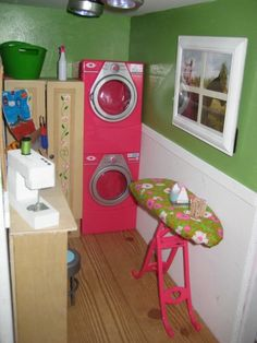 American Girl Doll House. Laundry room, so realistic and detailed!