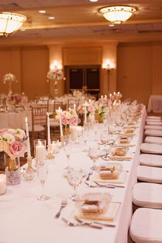 Wedding Table in White Pink and Gold