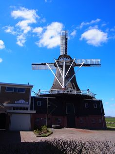 de molen in Makkinga Friesland. bayke foto.