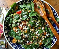 21 day fix  Spinach-Salad-with-Quinoa-Chickpeas-and-Paprika-Dressing-Mixed-Roundup