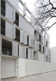 Since 1998 the Web Atlas of Contemporary Architecture Facade Architecture, Sustainable Architecture, Residential Architecture, Contemporary Architecture, Amazing Architecture, French Balcony, Metal Facade, Glass Facades, Facade Design