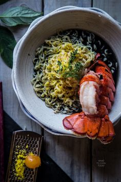 Delicious ramen noodles swim in umami laden squid ink broth and mouth-watering broiled lobster tails. Easy Asian Recipes, Ramen Recipes, Healthy Dinner Recipes, Savoury Recipes, Healthy Ramen, Healthy Eating, Ramen Ingredients, Nordic Recipe, Japanese Dishes