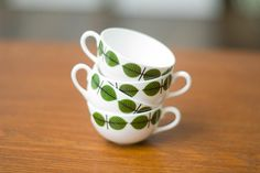 About this photo gallery, beautiful cup models, you will use cups for kitchen decoration, the most beautiful cups, cup designs we share with you. Kitchen Sets, Kitchen Decor, Vintage Dishware, Stig Lindberg, Kitchenware, Tableware, Cup Design, Cup And Saucer, Scandinavian