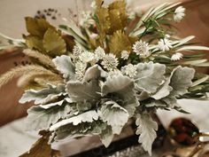 Decorating with Natural Materials - Thanksgiving Table Setting Ideas - Country Living