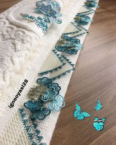 Crochet Organizer, Needle Lace, Lace Making, Crochet Designs, Towel, Drawing, Future, Instagram, Home Craft Ideas