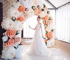 Wedding Arch Flowers, Spring Wedding Flowers, Wedding Designs, Wedding Styles, Wedding Photo Walls, Floral Backdrop, Giant Paper Flowers, Diy Wedding Decorations, Handmade Flowers