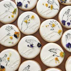 Spice Cookies, Sugar Cookies, Biscuits, Garden Cafe, Flower Cookies, Wedding Cookies, Cookie Designs, Edible Flowers, Sugar And Spice