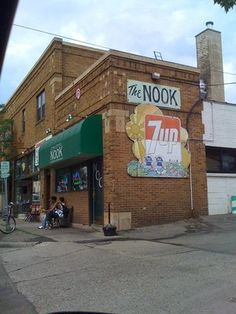 The Nook Categories: Dive Bars, Burgers  [Edit] 492 Hamline Ave S Saint Paul, MN 55116 Neighborhood: Highland