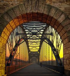 Hamburg-Harburg bridge over the Elbe 1899 Love Bridge, Over The Bridge, Arch Bridge, Hamburg City, Hamburg Germany, Ouvrages D'art, Beautiful Architecture, Modern Architecture, Covered Bridges