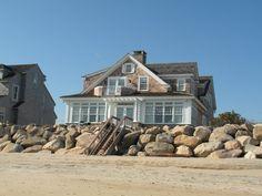 New England Beach House Plans Surf House, Beach Cottage Style, Beach Cottage Decor, Cottage Rugs, Coastal Cottage, Cottages England, Tiny House, England Beaches, Beach House Plans