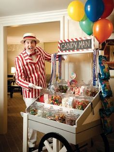 """Talk about a hotel perk! The Ritz Carlton in Chicago has a complimentary """"Candy Man"""" who goes door-to-door offering guests treats!"""