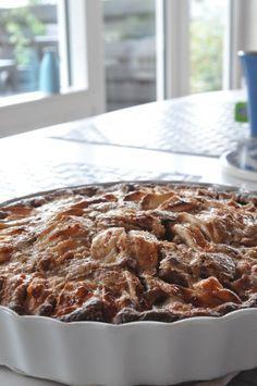 Nem og lækker æblekage med kanel og havregryn Danish Food, Sweets Cake, Cake Recipes, Food And Drink, Snacks, Cakes, Baking, Desserts, Dump Cake Recipes