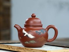 Material: Yixing Zisha clayDimensions: 138x51x109mmCapacity: 300mlOrigin: ChinaDescription: Handmade teapot. Clay Teapots, Pottery Teapots, Yixing Teapot, Cotton Bag, Tea Set, Tea Cups, The Past, Life Space, China