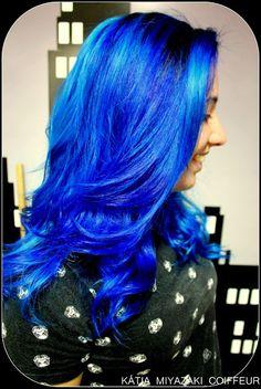 Katia Miyazaki Coiffeur - Salão de Beleza em Floripa: cabelo azul - blue hair - indigo hair - galaxy blu...