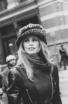 Claudia Schiffer photographed by Arthur Elgort, Vogue, July 1992.