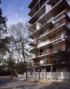 Architects: Kashef Chowdhury Location: Dhaka, Bangladesh Firm: URBANA Area: 4536.0 sqm Year: 2013 Photographs: Hélène Binet