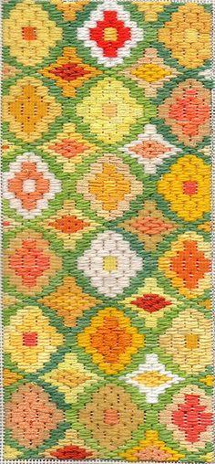 Bargello Needlepoint Daffodil Boxtop   Flickr - Photo Sharing!