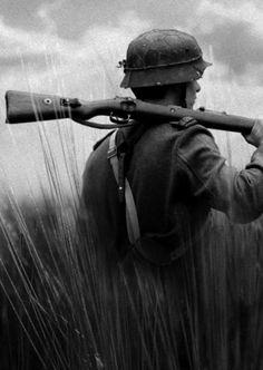 World War II Soldier wehrmacht german German Soldiers Ww2, German Army, Military Art, Military History, Foto Portrait, Germany Ww2, Trash Polka, War Photography, World War One