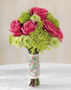 Fröhlicher Brautstrauß in Grün und Pink – Sunny wedding green and pink wedding bouquet with roses – www.weddingstyle.de