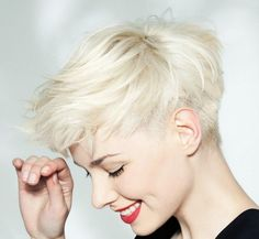 Fine hair has a great range to be creative. However, sometimes you may want to find some haircuts which is interesting. Therefore, here are 10 Short Pixie Haircuts For Fine Hair. Trendy Haircut, Haircuts For Fine Hair, Short Pixie Haircuts, Pixie Hairstyles, Short Hairstyles For Women, Blonde Hairstyles, Scene Hairstyles, Haircut Short, Undercut Hairstyles