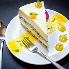 {Mango Bliss – Mango and Lemon Entremet} – Entremet cu mango si lamaie