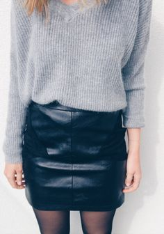 Best Outfit Ideas for Women Over 40 - Fashion Trends Fashion Capsule, Pinterest Fashion, Mode Style, Simple Outfits, Wholesale Clothing, Skirt Fashion, Winter Outfits, Christmas Outfits, Leather Skirt