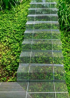 House Weekend in Sao Paulo Boasts Low Impact Landscape Staircase Architecture Details, Landscape Architecture, Interior Architecture, Landscape Design, Staircase Architecture, Landscape Bricks, Garden Design, Staircase Outdoor, Garden Stairs