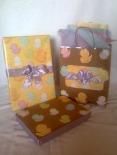 Eco Friendly~ Recycled Brown Paper Handcrafted Little Duckies Gift Boxes & Bag Set w/fabric bows, both boxes fits nicely in this crafted recycled brown bag. Handmade Baby, Handmade Gifts, Handgemachtes Baby, Fabric Bows, Brown Bags, Keepsake Boxes, Selling On Ebay, Event Decor, Gift Bags