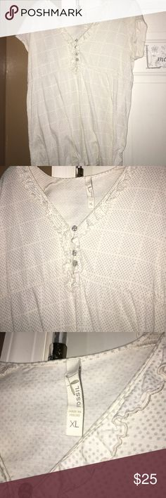 Fossil T Shirt Fossil v neck Shirt size XL Fossil Tops Tees - Short Sleeve