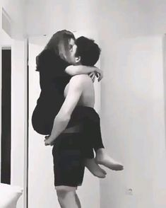 Best Relationship advice for women Cute Couples Hugging, Cute Couples Kissing, Cute Couples Photos, Cute Couples Goals, Freaky Relationship Goals Videos, Couple Goals Relationships, Relationship Advice, Cute Couple Videos, Cute Love Couple