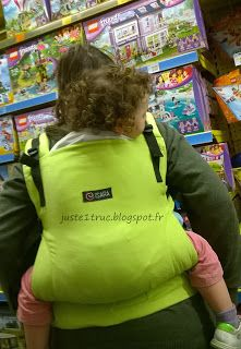 Porte-bébé Isara Toddler Babywearing