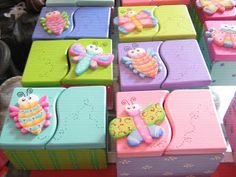 Baby Shawer, Book Markers, Miniature Crafts, Paper Mache, Wooden Boxes, Wood Projects, Kids Room, Pastel, Woodworking