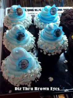 FROZEN cupcakes at Contempo Cafe at Disney's Contemporary Resort (limited time only, not sure if they'll be there when we are)