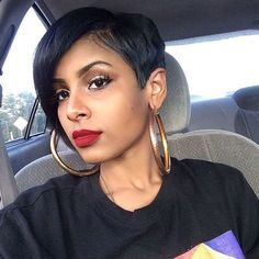 5 Popular Short Stacked Haircuts for black women -If you're an African American woman out there . by jessie Short Stacked Haircuts, Short Black Hairstyles, Curly Haircuts, Short Sassy Hair, Short Hair Cuts, Short Pixie, Gorgeous Hair, Love Hair, Short Styles