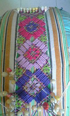 Bobbin Lacemaking, China, Quilts, Blanket, Crochet, World, Folklore, Needlepoint, Bobbin Lace
