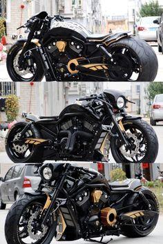 """Harley-Davidson V Rod """"Porsche"""" by SQ Custom Harley Davidson Night Rod, Harley Davidson Street Glide, Harley Davidson Sportster, Motorcycle Types, Motorcycle Garage, Motorcycle Design, Custom Harleys, Custom Motorcycles, Custom Bikes"""