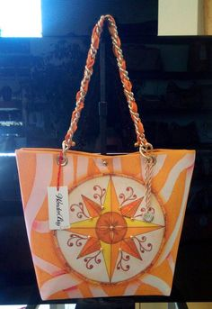 WonderBag è una bellissima borsa in tessuto stampata, di ottima manifattura e 100% MADE IN ITALY misura cm 40 x 30, prezzo euro 79! https://www.facebook.com/auteri3gtaormina?ref=hl