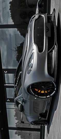 (°!°) Aston Martin Vantage GT12