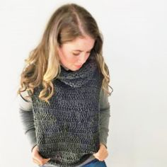 Yarn Gilet Crochet Patterns, Turtle Neck, Store, Sweaters, Clothes, Fashion, Outfits, Moda, Clothing