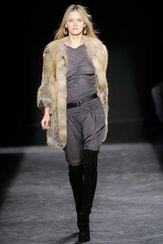 Isabel Marant Fall 2009 Ready-to-Wear Fashion Show - Carmen Kass (SILENT)