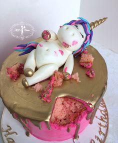 Chubby unicorn & gold drip cake! #Fondant #Handmade