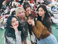 Extended Play, South Korean Girls, Korean Girl Groups, Walpurgis Night, Kim Ye Won, Jung Eun Bi, Latest Music Videos, Cloud Dancer, G Friend